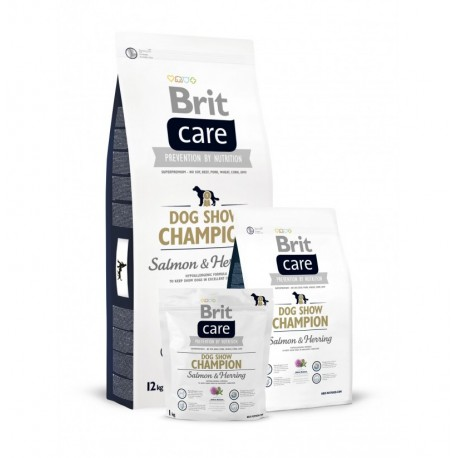 Brit care dog show champion (salmón y arenque)